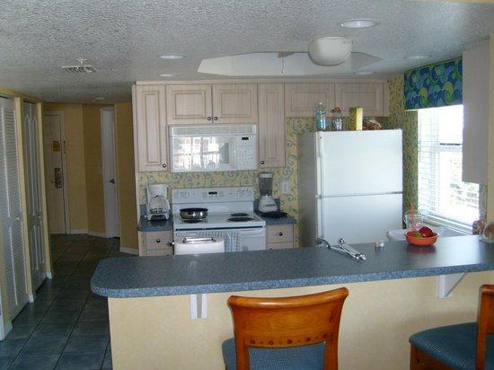 The Resort on Cocoa Beach: Kitchen