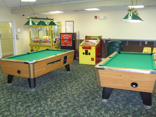 The Resort on Cocoa Beach: Game room
