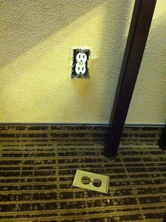 Quality Inn Seneca: The exposed electrical outlet