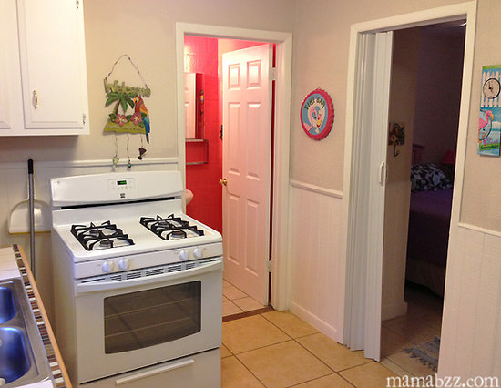 3rd Coast Inn: Kitchen in Guest room