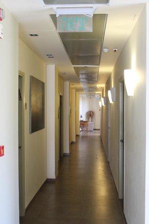 Art Gallery Hotel Haifa: Long way there