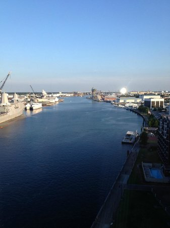 Renaissance Portsmouth-Norfolk Waterfront Hotel: Great view of the River