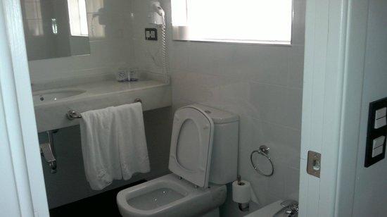 Hotel Roc Golf Trinidad: baño