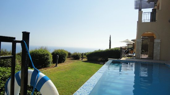 Aphrodite Hills Golf & Spa Resort Residences: Sea view