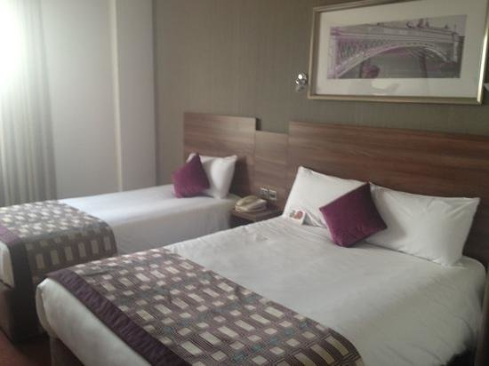 Jurys Inn Leeds: family room