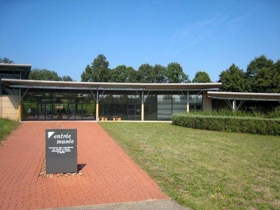Musee de la Bresse-Domaine des Planons: entrée