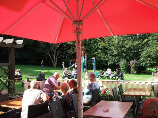 Eastham Ferry Hotel: Our Beautiful Beer Garden