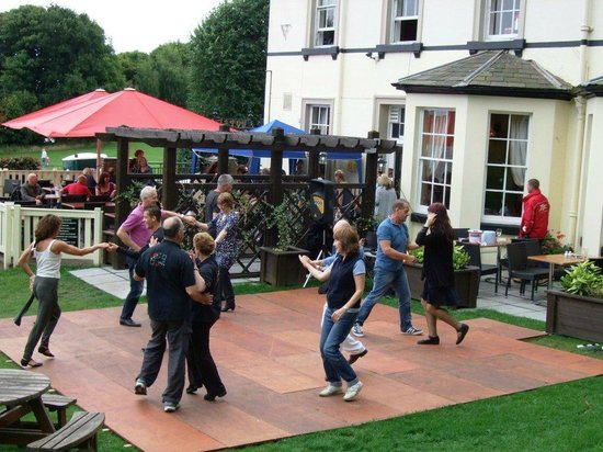 Eastham Ferry Hotel: GLASTONFERRY 'Just Jive'