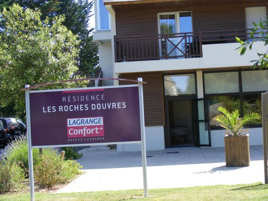 Lagrange Confort+ Les Roches Douvres : l'entrée est à l'image de la résidence : impécable !