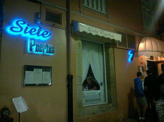 Restaurante Siete Puertas CB.: fachada