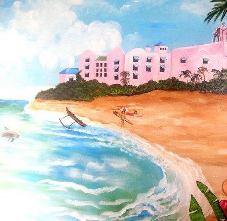 Waikiki Beachside Hostel: The rooms cool wall art!