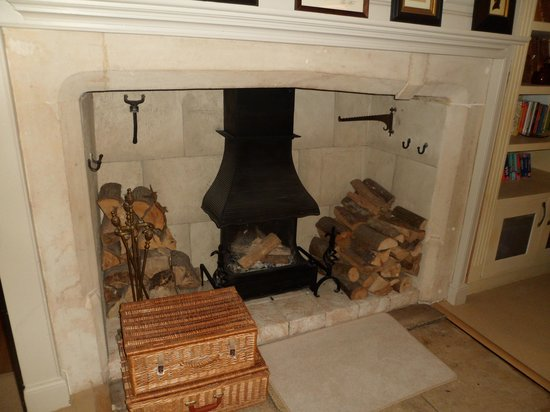Court House Manor: Fireplace