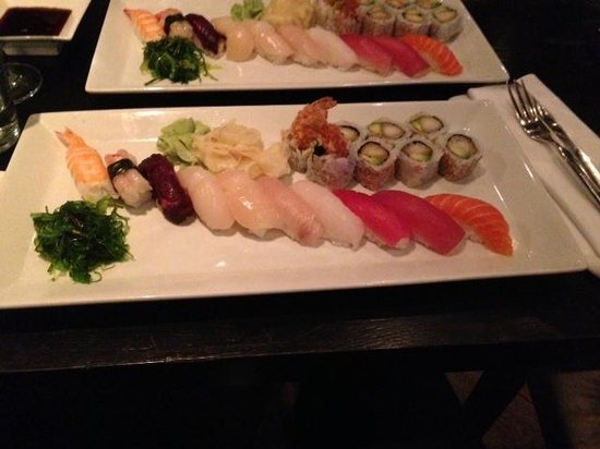 Bryggen Asian Cooking: Sushi platter with 18 pcs.