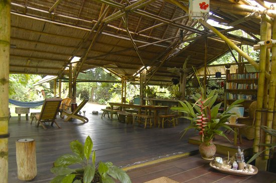 Ojo del Mar: View inside the main lodge area