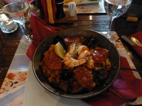Las Torres: My paella