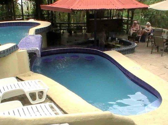 Hotel La Colina: Les 2 bassins