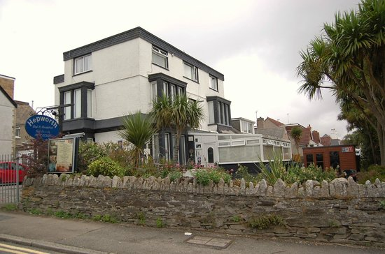 Hepworth Guest House: A side view of the Hotel