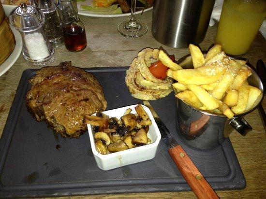 The Bridge Inn - Michaelchurch Escley: Excellent steak