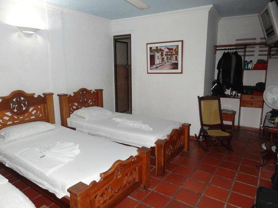 Hotel Casa Baluarte : habitacion triple