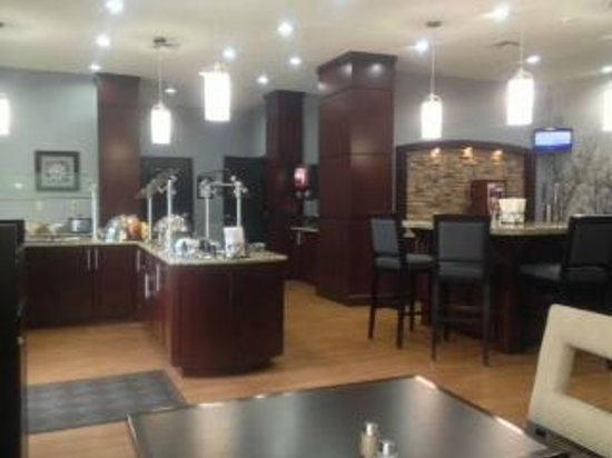 Staybridge Suites Amarillo-Western Crossing: Breakfast and Social Area