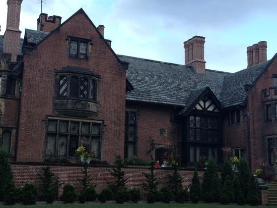 Stan Hywet Hall and Gardens : the Manor House