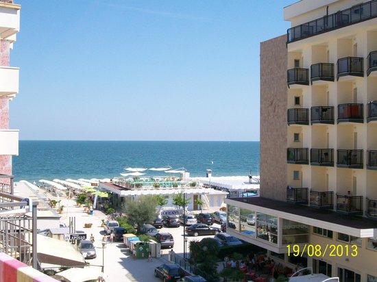 Hotel Mirage : vista mare dal balcone della camera