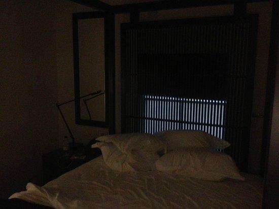 La Suite West - Hyde Park: La stanza con tutte le luci accese!!!
