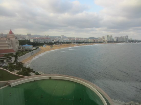 Wei Hai Golden Bay Hotel: view of beach from room