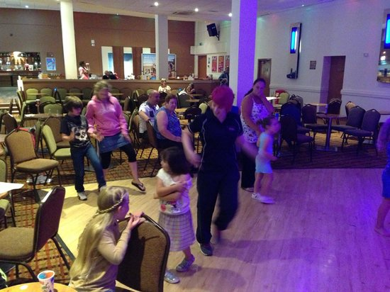 Parkdean - Pendine Sands Holiday Park : The Sands - Line dancing
