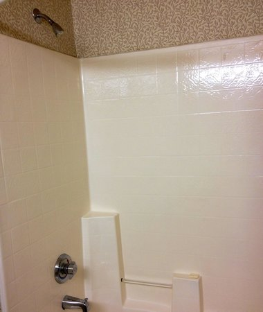 Country Inn & Suites By Carlson, Deer Valley: Shower