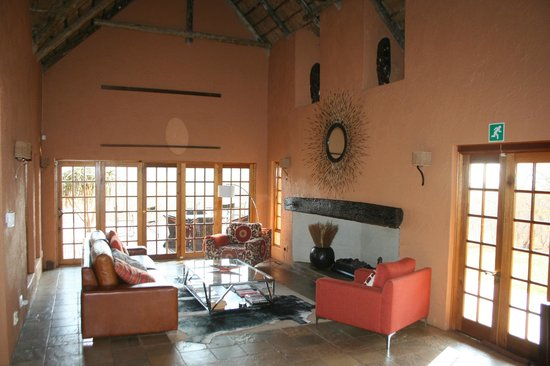 Mokolodi House: one of the living rooms