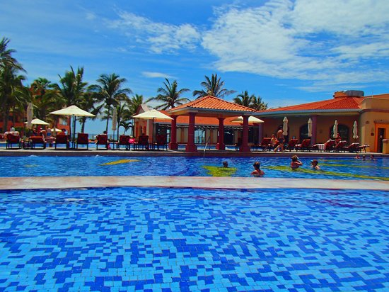 The Ridge at Playa Grande Luxury Villas: Lower pools