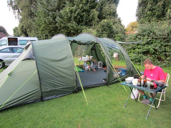 Newberry Valley Caravan & Camping Park: Our tent and pitch