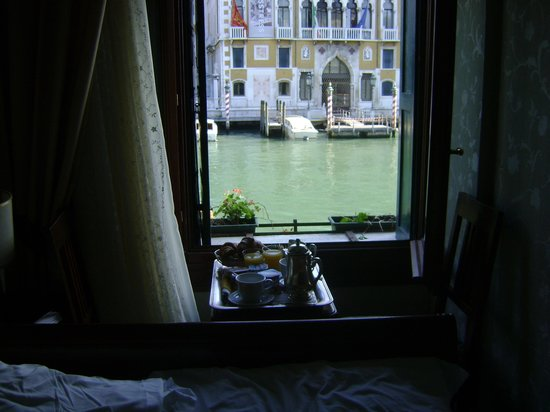 Hotel Galleria: desayuno y ventana