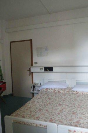 Hotel Gardesana: Room 204