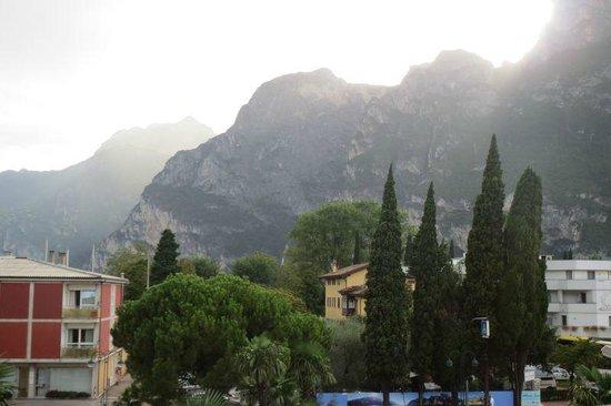 Hotel Gardesana: A lovely view from the room balcony