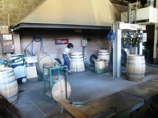 Bodegas Muga: Where the barrels are hand made