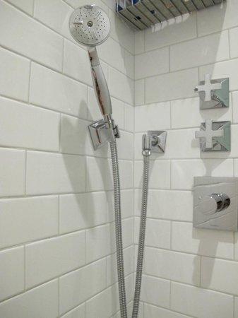 Excelsior Congress, Spa & Lido: Charme de banheiro!