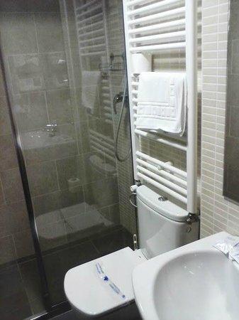 Hotel Solana: Baño
