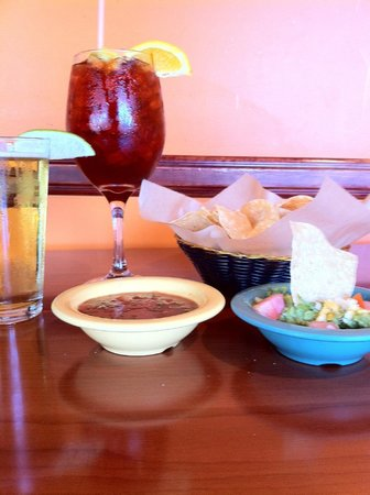 Ceja's Mexican Diner & Grill: Sangrias, Wine and cold Beer. Fresh guacamole