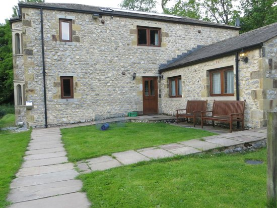 Beck Hall Malham: My room was in this building