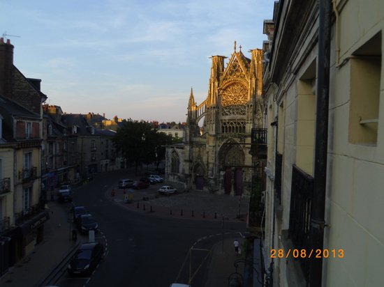 Au Grand Duquesne: View from balcony of room 10