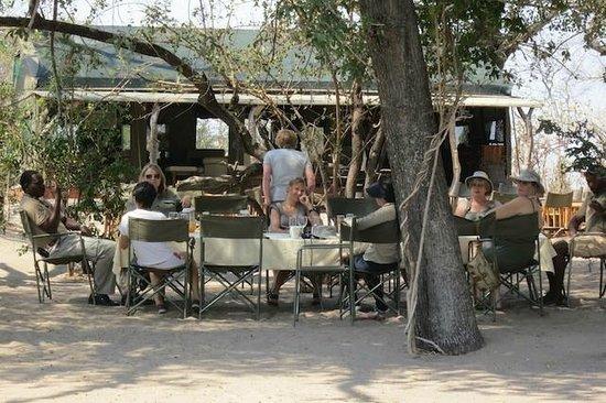 Macatoo Horseback Safari Camp : Lunch at camp