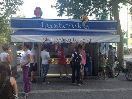 Sladolednica Lastovka : Partizanska Cesta