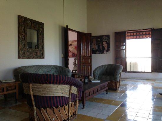 Hotel Machado: rest area, library