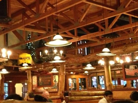 Montana's BBQ & Bar: great interior