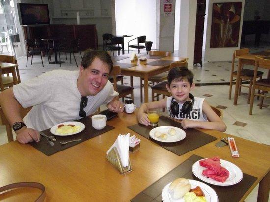 Hotel Urupema: Café da manha completo