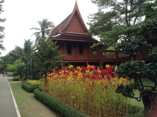 King Rama II Memorial Park: So peaceful