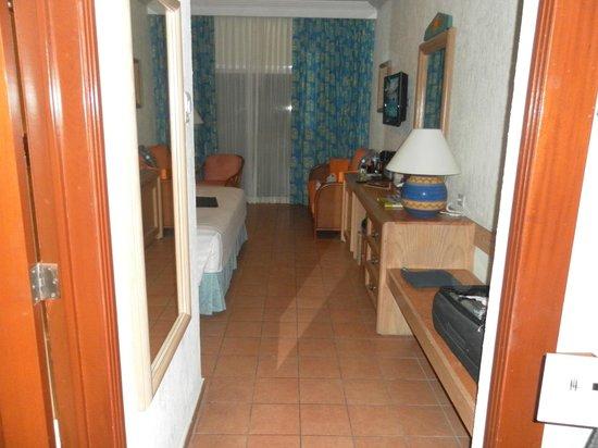Hotel Barcelo Maya Beach: Habitación