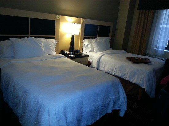 Hampton Inn Manhattan-35th St/Empire State Bldg: Two double beds room
